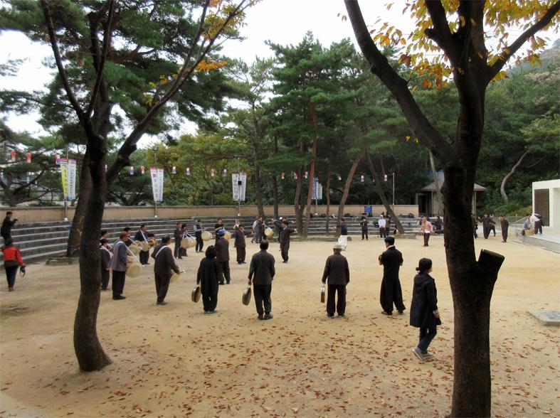 ■パトカーに乗って行く朝鮮通信使歴史館――こういう時こそ、いつもの釜山へ_d0190217_22382302.jpg