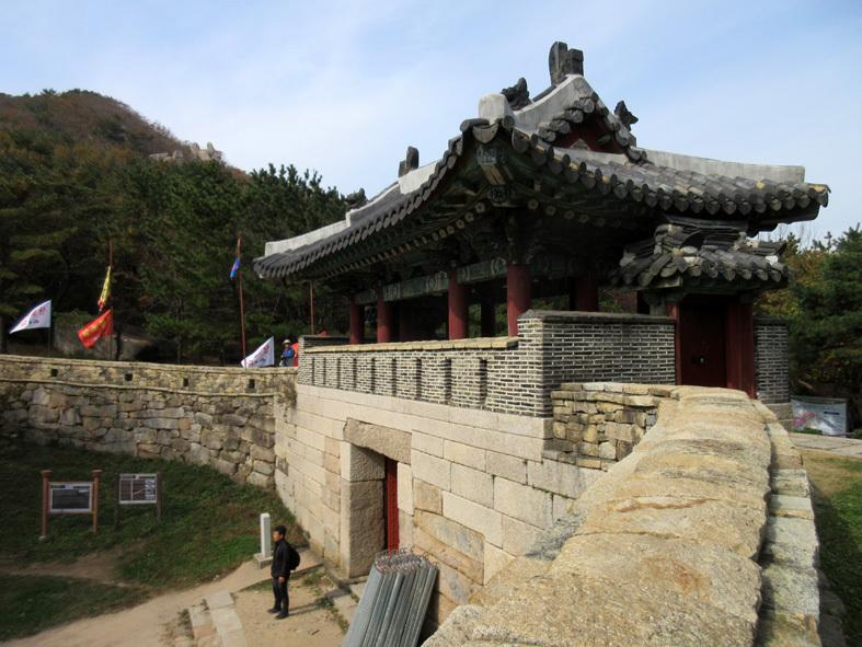 ■パトカーに乗って行く朝鮮通信使歴史館――こういう時こそ、いつもの釜山へ_d0190217_22392886.jpg
