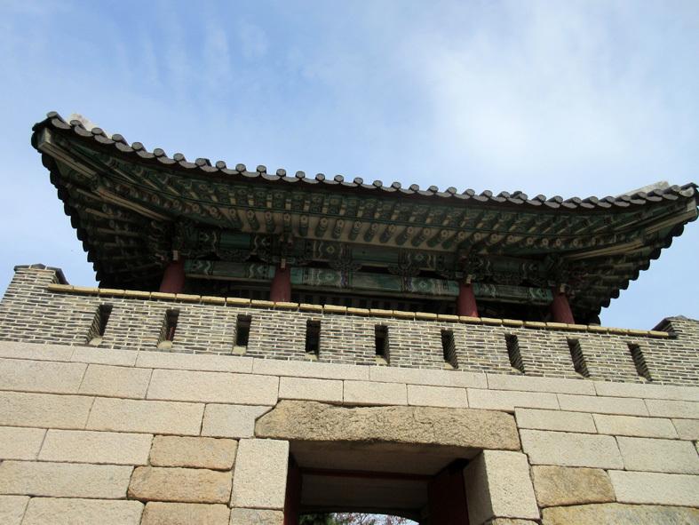 ■パトカーに乗って行く朝鮮通信使歴史館――こういう時こそ、いつもの釜山へ_d0190217_22395711.jpg