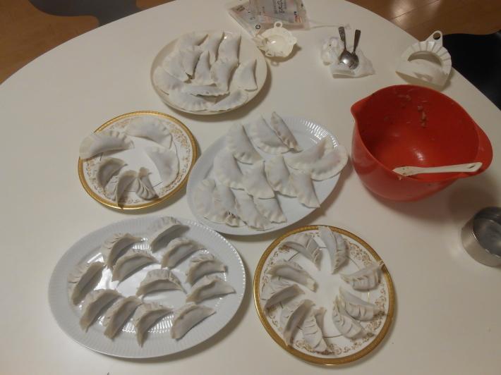 米粉の餃子の皮でラム餃子作ってみました。_a0095931_12035681.jpg