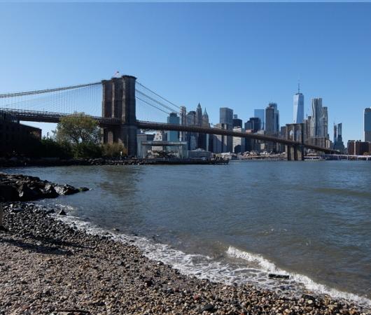 ブルックリン、Dumboにある人工海岸、Pebble Beach_b0007805_10454902.jpg