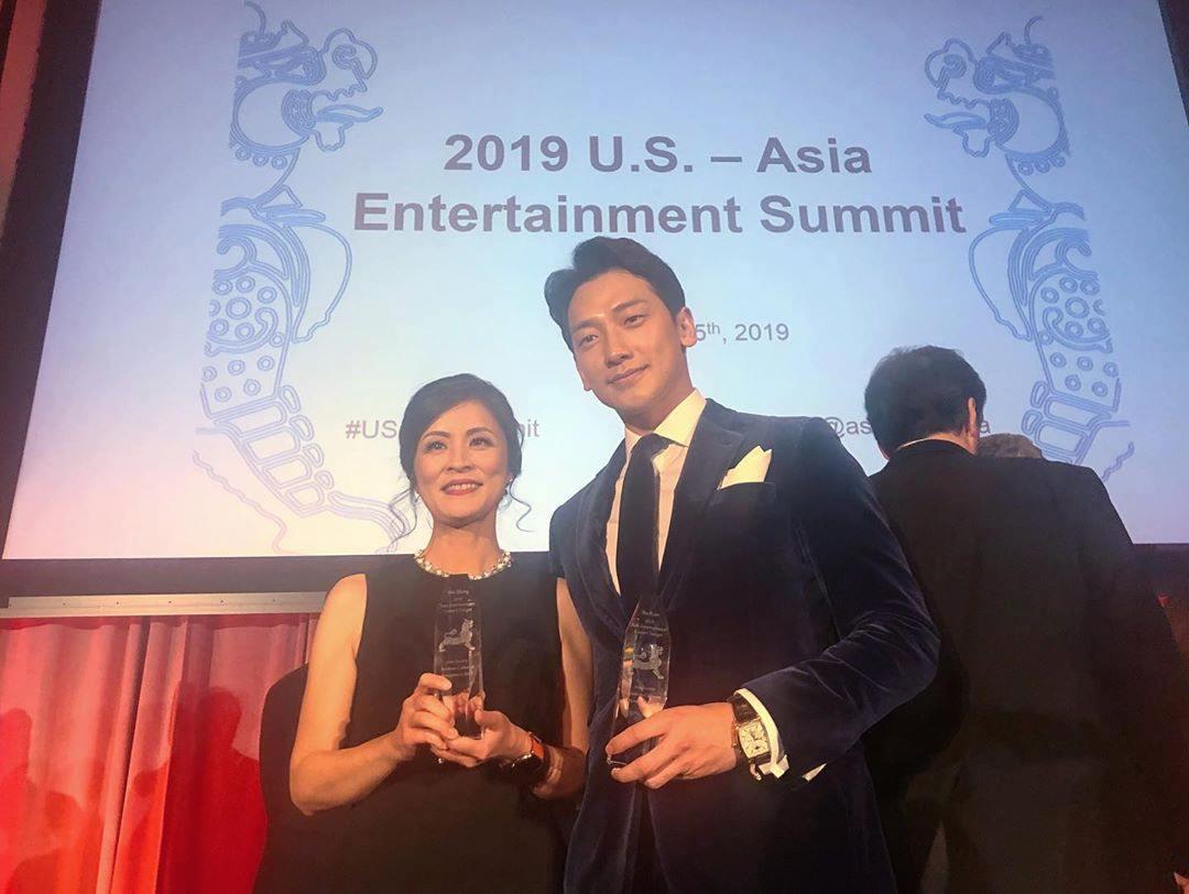 USアジアエンターテインメントGame Changer Awards_c0047605_08033590.jpg