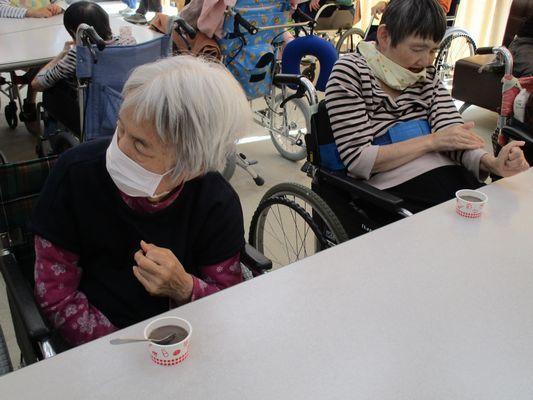 11/10 誕生会喫茶_a0154110_09331485.jpg