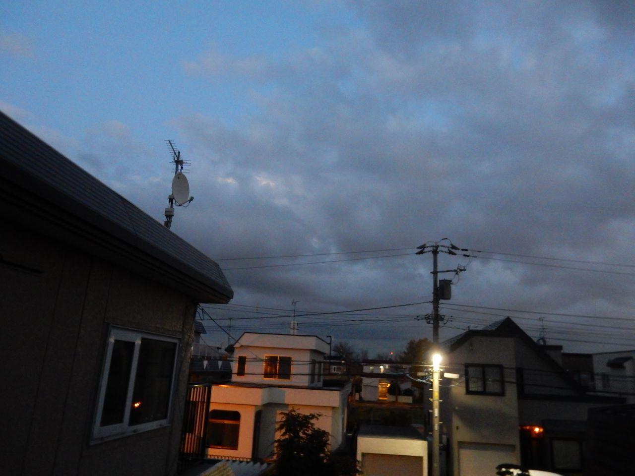 なんとか満月が見えました_c0025115_20425452.jpg