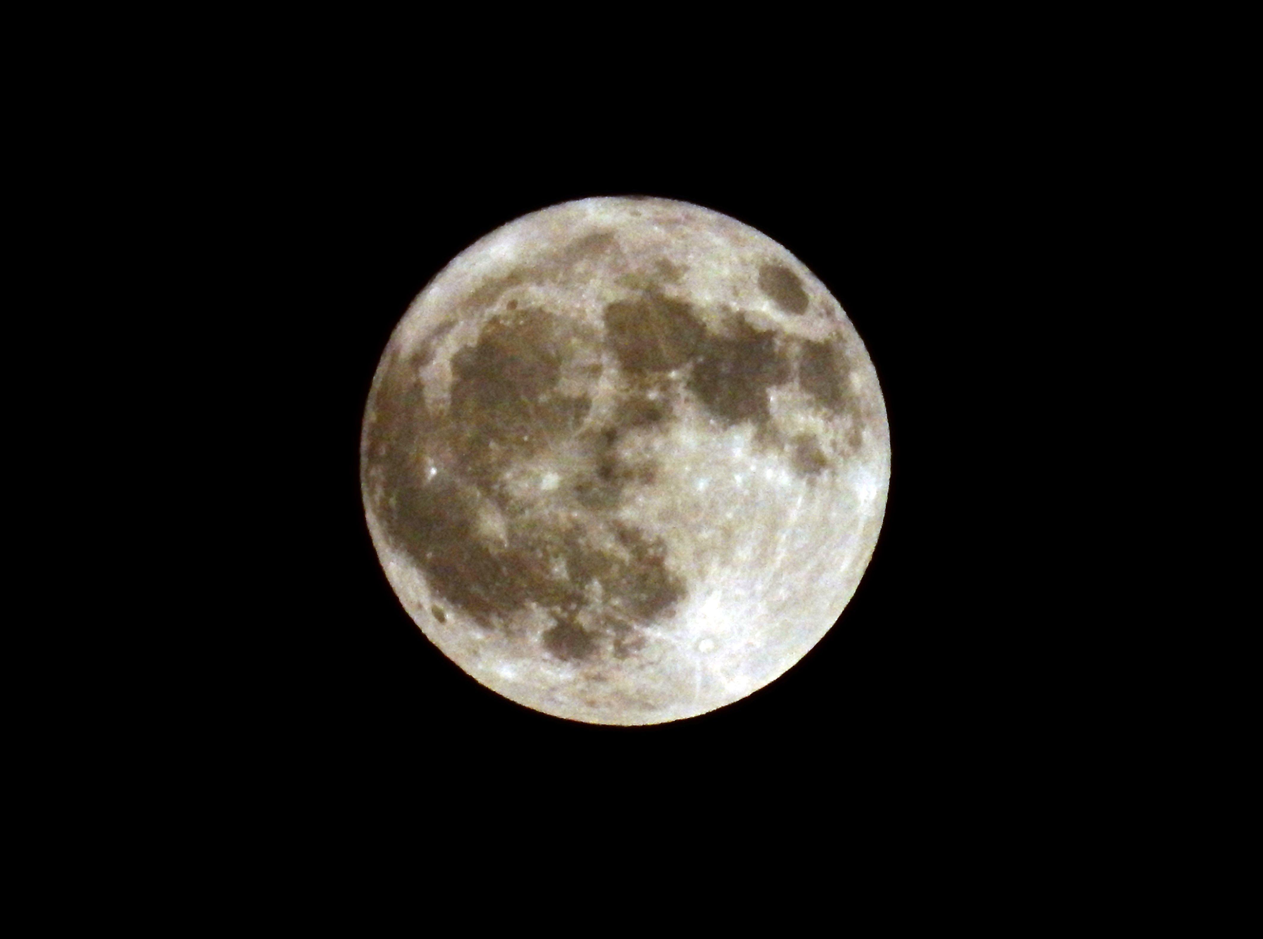 なんとか満月が見えました_c0025115_20434258.jpg