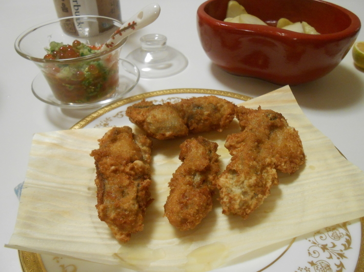 故郷の柿とカキフライ定食。_a0095931_20090931.jpg