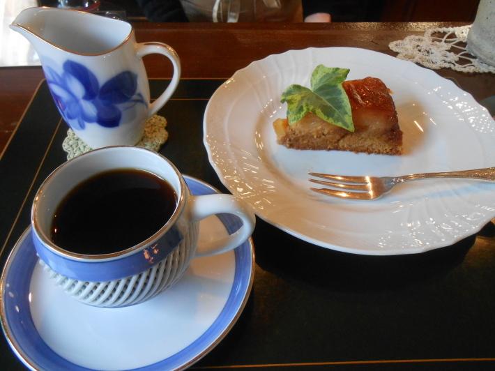 故郷の柿とカキフライ定食。_a0095931_20104016.jpg