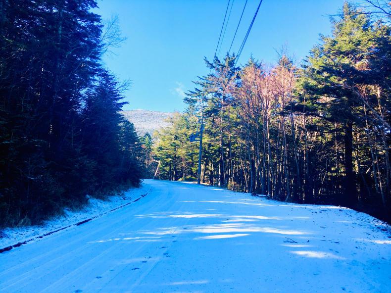 山はもう雪_b0404748_20213410.jpg
