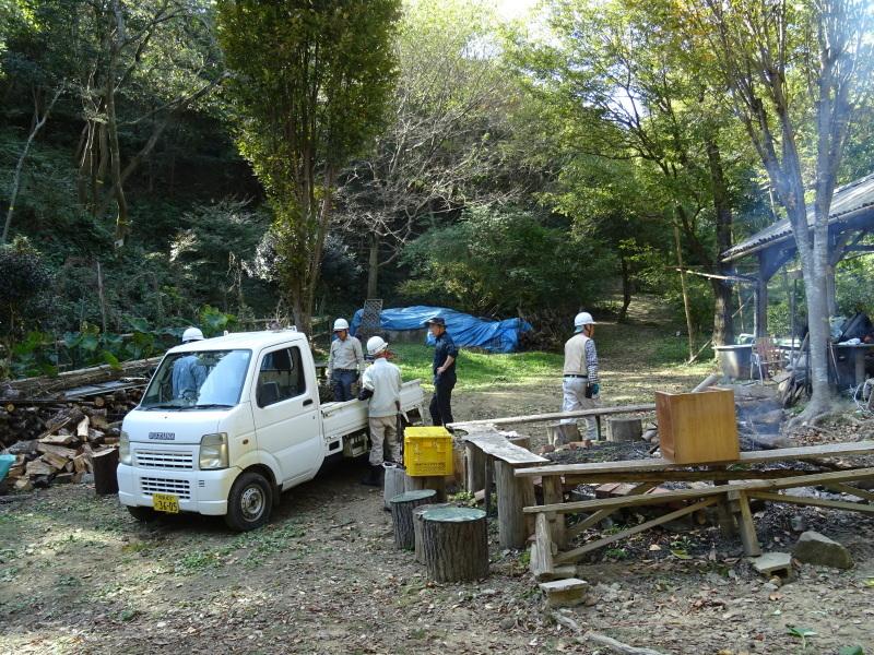 台風被害処理が続く・・・孝子の森_c0108460_16583674.jpg