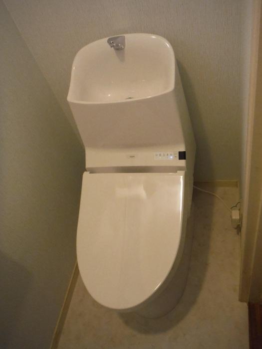 まとめてリフォーム ~ トイレ工事。_d0165368_04095661.jpg