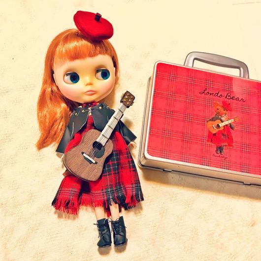 販売開始11/16〜(展示11/12〜12/1)London Carol展 @JunieMoon代官山_f0223074_11204219.jpg