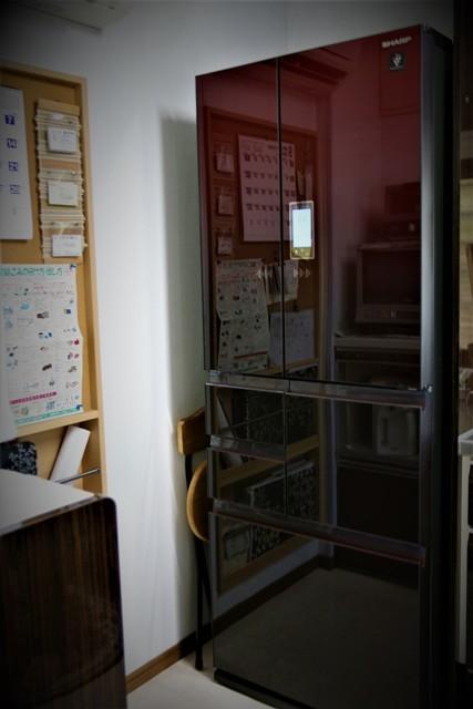 冷蔵庫のフレンチドア部品が劣化 _f0229190_13532062.jpg