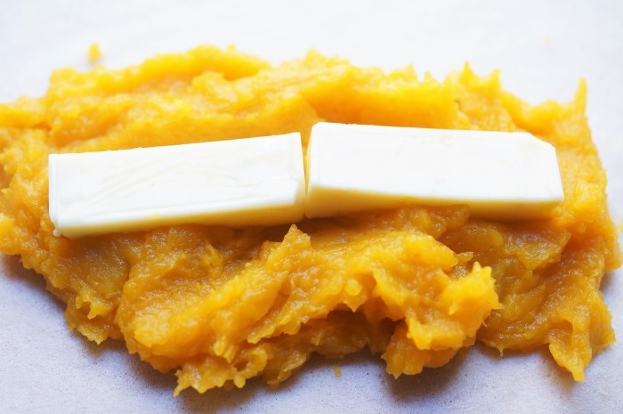 ■簡単5分でスイーツ【チーズ入り南瓜餡の揚げ春巻き】南瓜餡さえ作り置いたら即出来ます。_b0033423_23483087.jpg