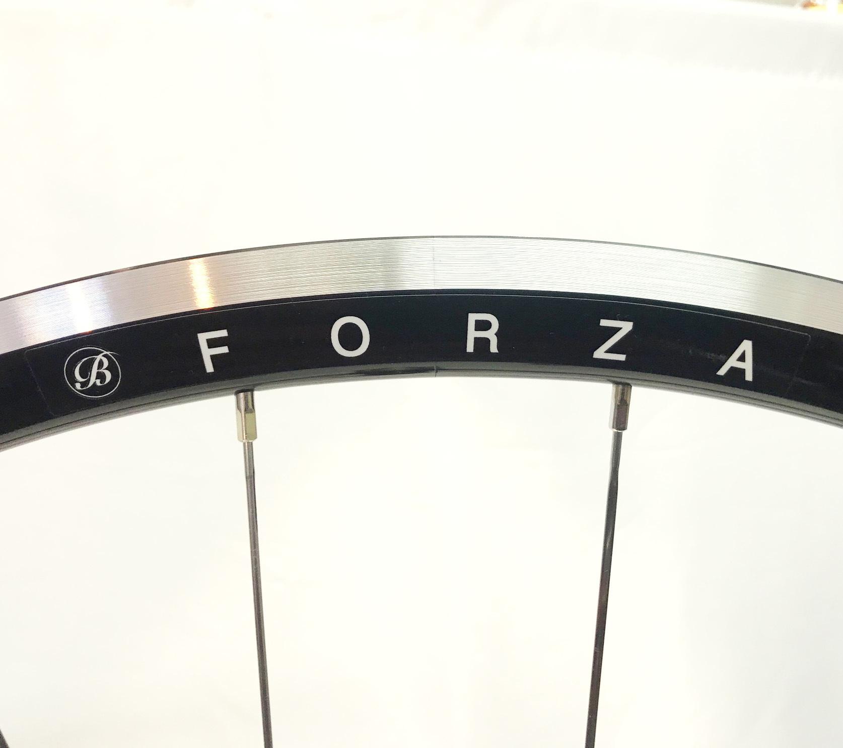 Bellatte ACR28R「FORZA」ミドルワイドリム販売します_d0182937_20393477.jpg