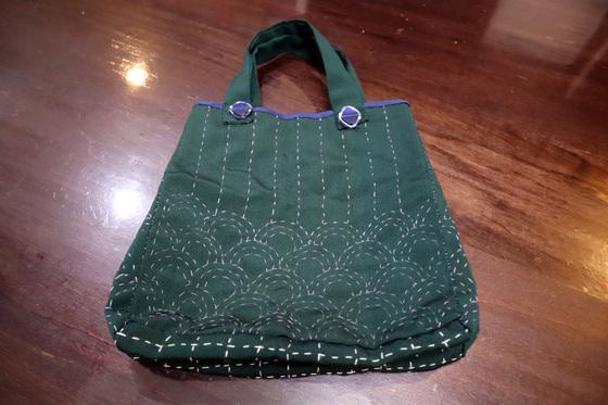 裁縫 & 刺繍 ~ 青海波(せいかいは)模様の巾着バッグ ~_e0222340_1524234.jpg