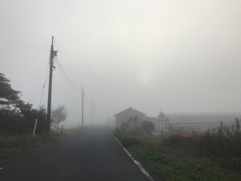 霧の中の風景 2019.11_f0169147_19490225.jpg