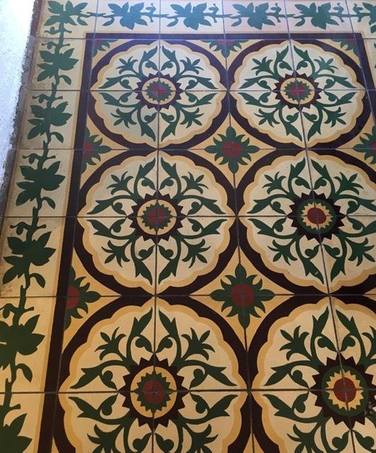 Casa Romantica のセメントタイルの床_e0350971_11282328.jpg