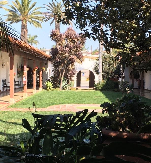 Casa Romantica のセメントタイルの床_e0350971_11310047.jpg