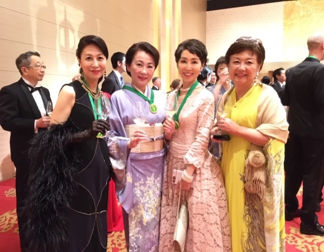 日本開催第10回シャンパーニュ騎士団叙任式 晩餐会へ@オークラ東京♬_a0138976_14290407.jpg