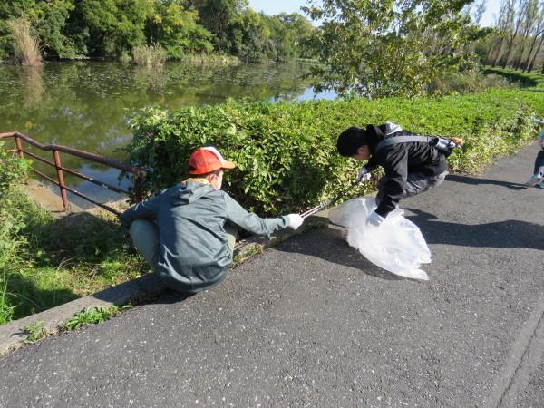 水元公園のゴミひろいを行いました。_d0121678_19473676.jpg