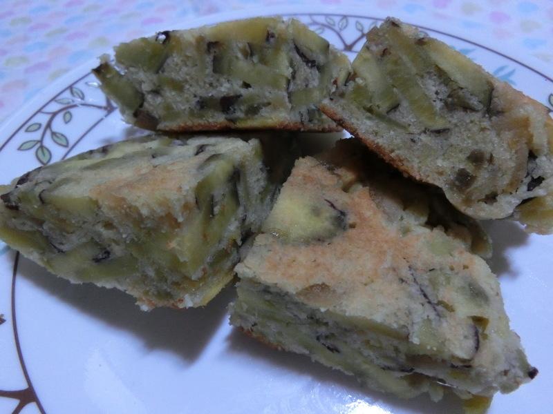 野菜のヘルシーケーキ(ケーク・サレ)_a0391592_18475149.jpg