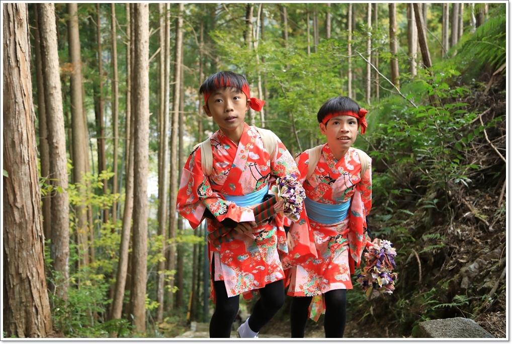 愛南町 正木の花取り踊り_a0057905_16423335.jpg