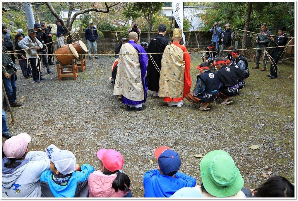 愛南町 正木の花取り踊り_a0057905_16424551.jpg