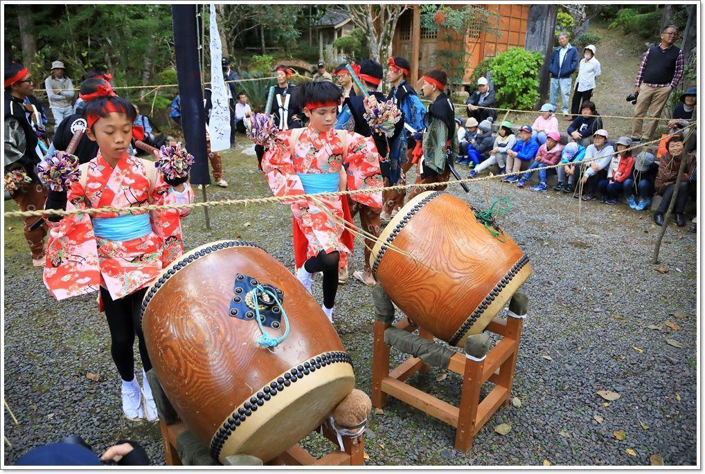 愛南町 正木の花取り踊り_a0057905_16425440.jpg