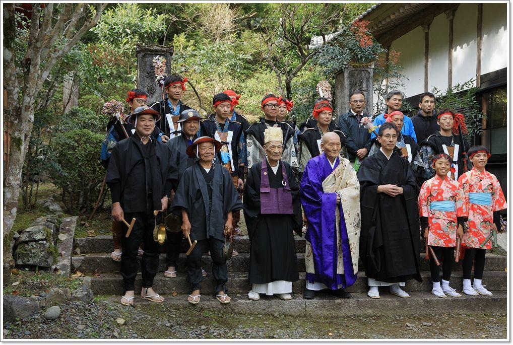 愛南町 正木の花取り踊り_a0057905_16425984.jpg