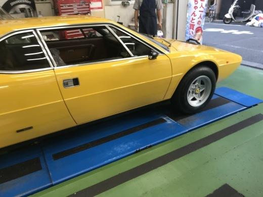 重いハンドルの原因は? - weekly report - Ferrari