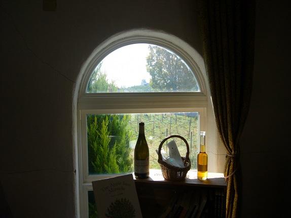 窓辺の風景_c0192215_7401567.jpg