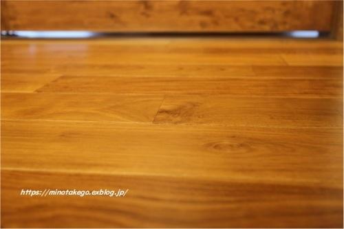 フローリングとビルケンシュトックの室内履き_e0343145_12005051.jpg