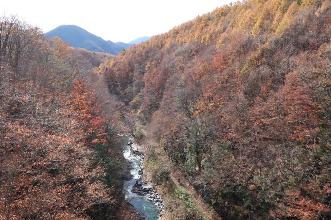 山間を流れる_b0324291_00331781.jpg