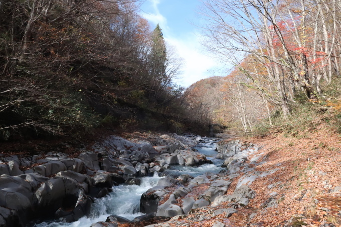 山間を流れる_b0324291_00334965.jpg