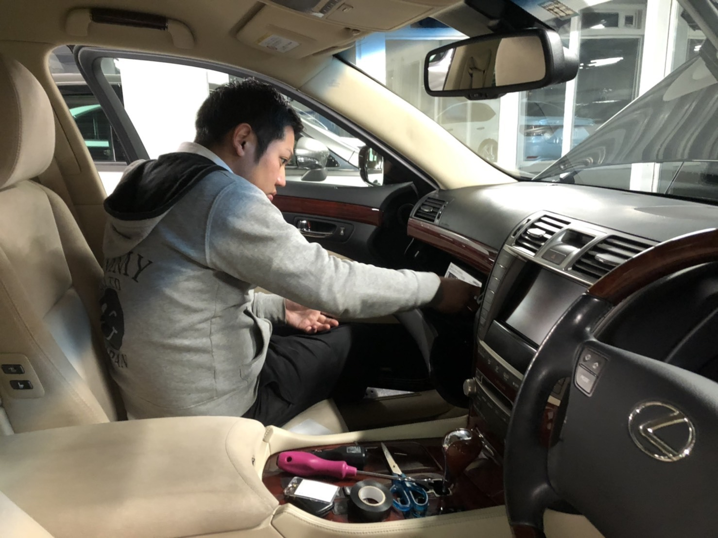 11月15日(金)TOMMYBASEブログ☆カスタム専門店🎶セダン専門店🎶レクサス専門店🎶LS460🎶LS600🎶_b0127002_18500636.jpg