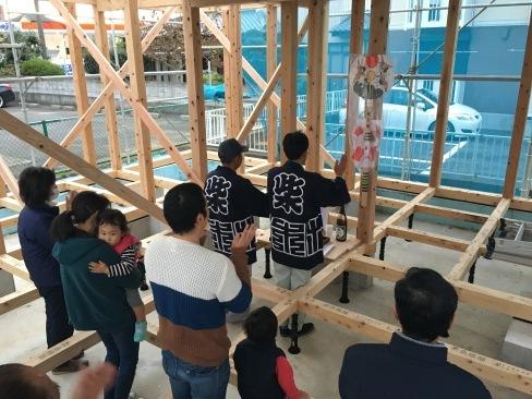 「土浦の家」が上棟しました!_a0059217_08323491.jpg