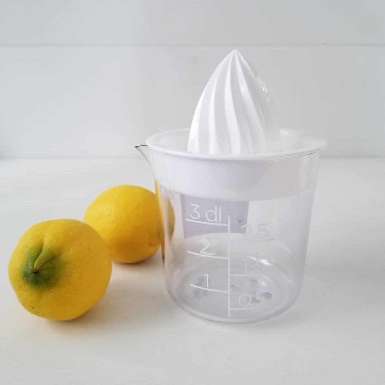 レモン絞り器_f0120026_14123030.jpg