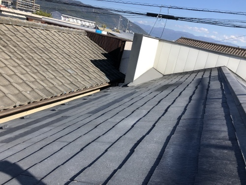 甲府市 ブラックの屋根 其の二_b0242734_21384835.jpeg