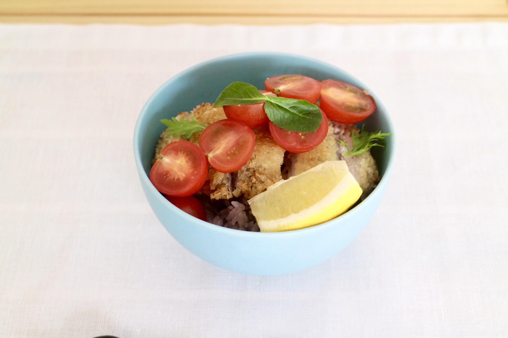 カツレツトマト丼_f0220354_13192843.jpeg