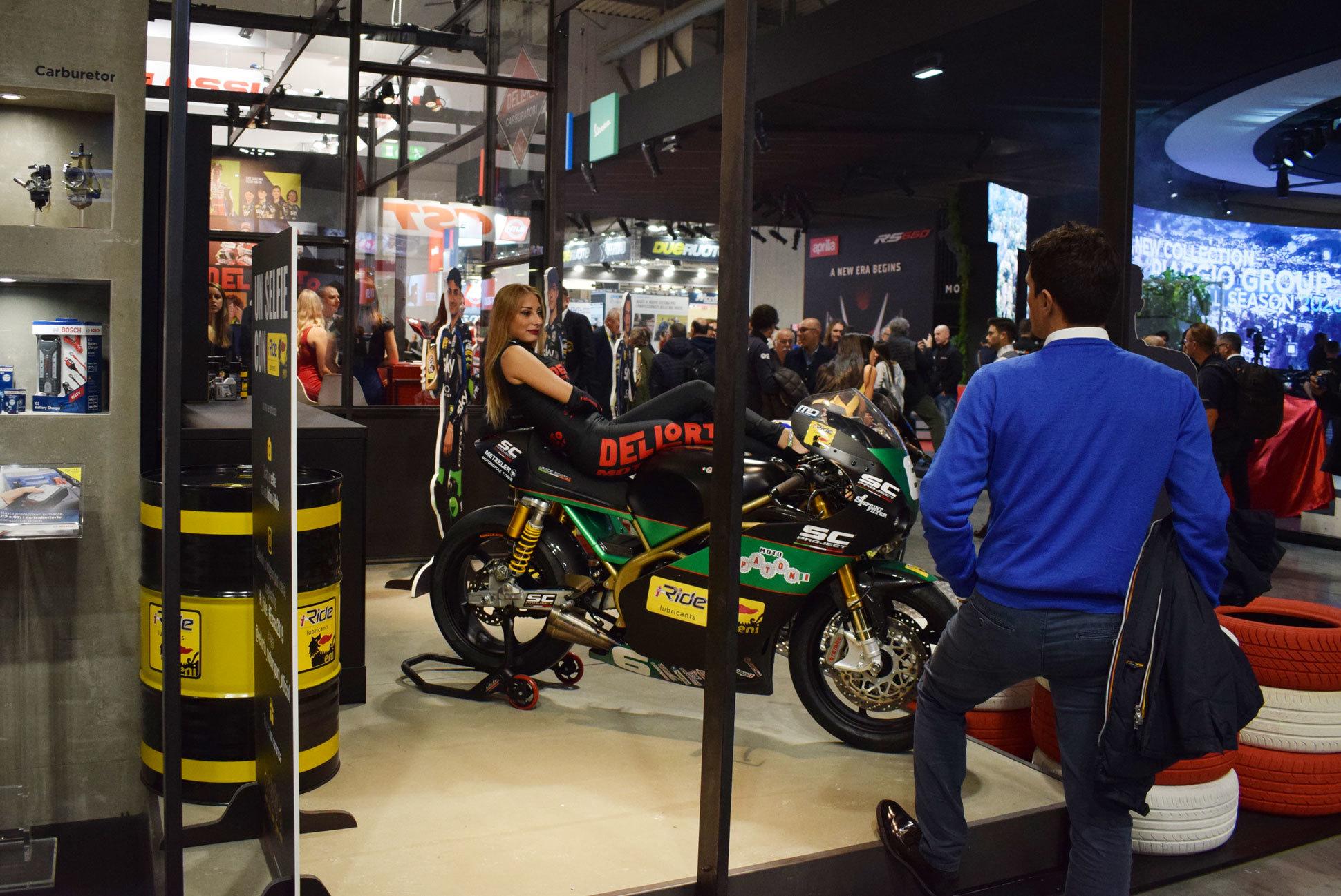 バイク天国☆イタリアの旅 EICMA会場の様子 その3_d0099181_17021634.jpg