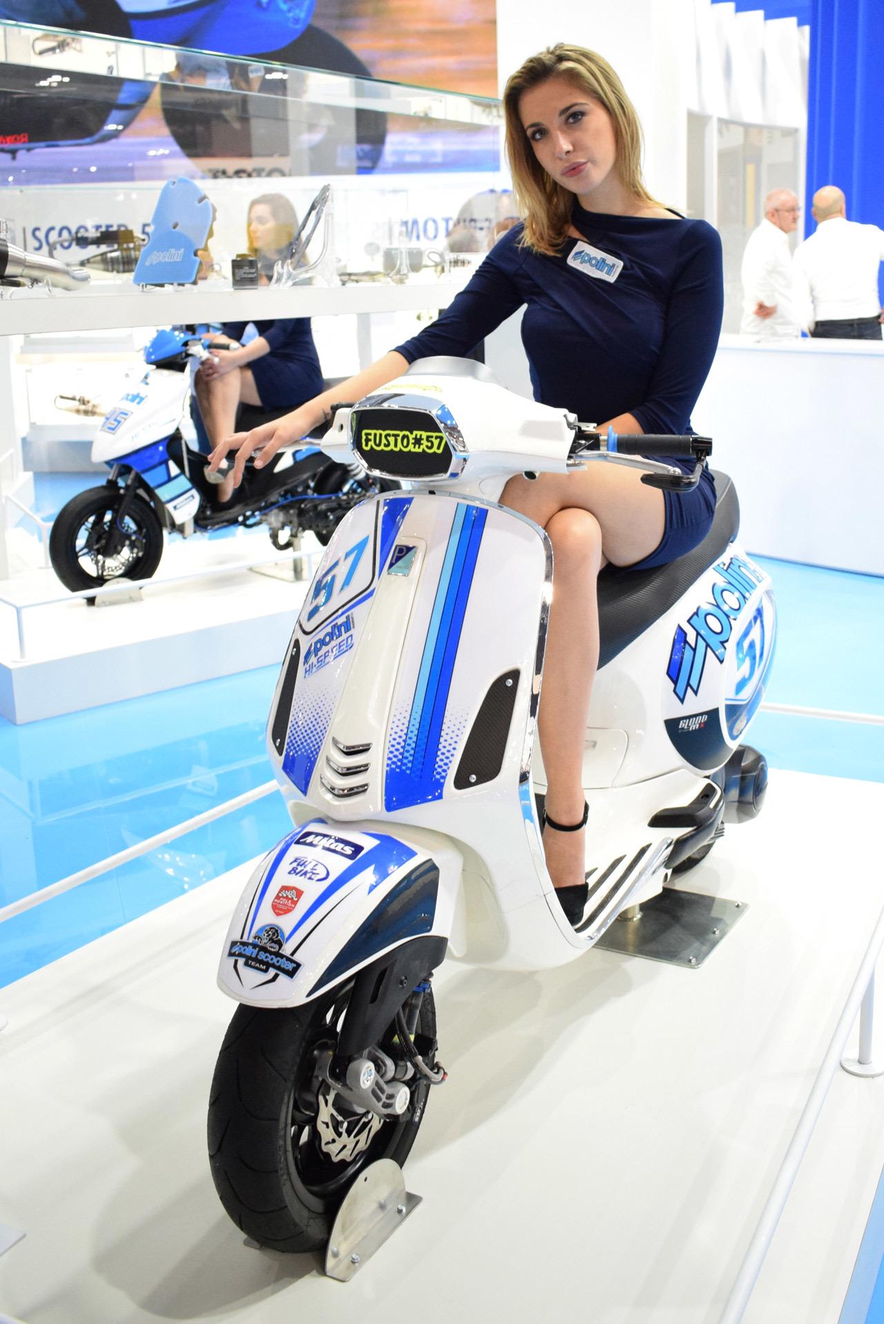 バイク天国☆イタリアの旅 EICMA会場の様子 その3_d0099181_19030512.jpg
