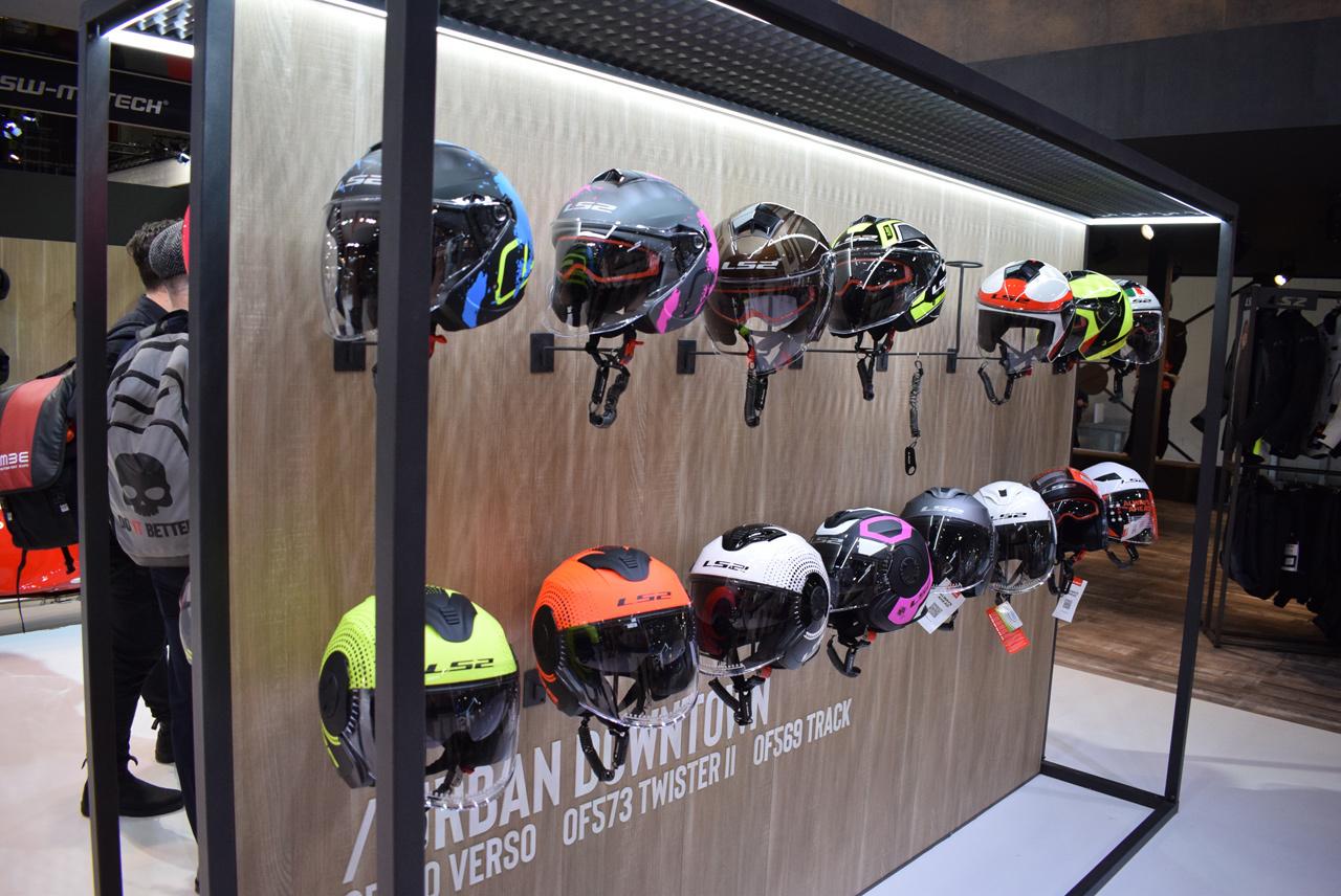 バイク天国☆イタリアの旅 EICMA会場の様子 その3_d0099181_20315070.jpg