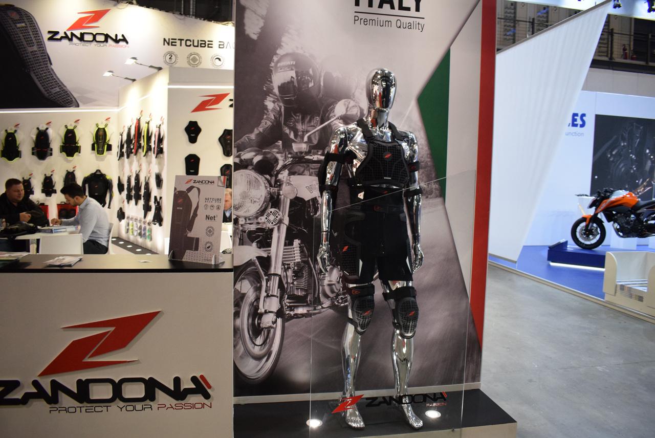 バイク天国☆イタリアの旅 EICMA会場の様子 その3_d0099181_21301293.jpg