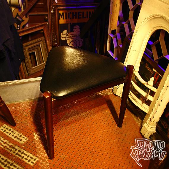 Vintage 鳥取家具 フラワースツール ブラック 黒_e0243096_23230303.jpg