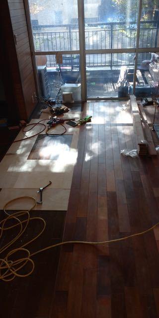 床貼り 4日目_a0061599_22123763.jpg