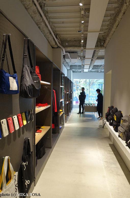 アニエスベー 渋谷店オープン!_b0164803_11050978.jpg