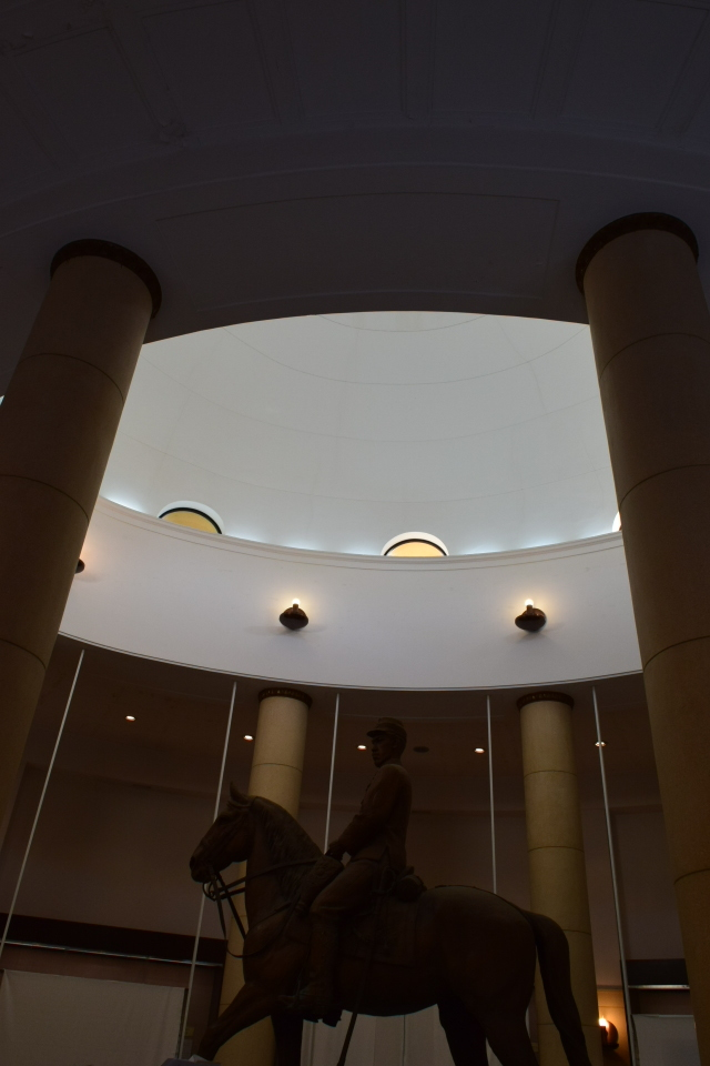 東京多摩市の旧多摩聖蹟記念館(建築家・関根要太郎作品再見)_f0142606_13275137.jpg