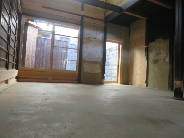 三和土土間があり吹き抜けの空間がある家が工事完了です_e0360512_18341899.jpg