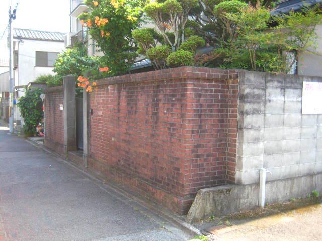 塀工事1 現況_e0360218_08115848.jpg
