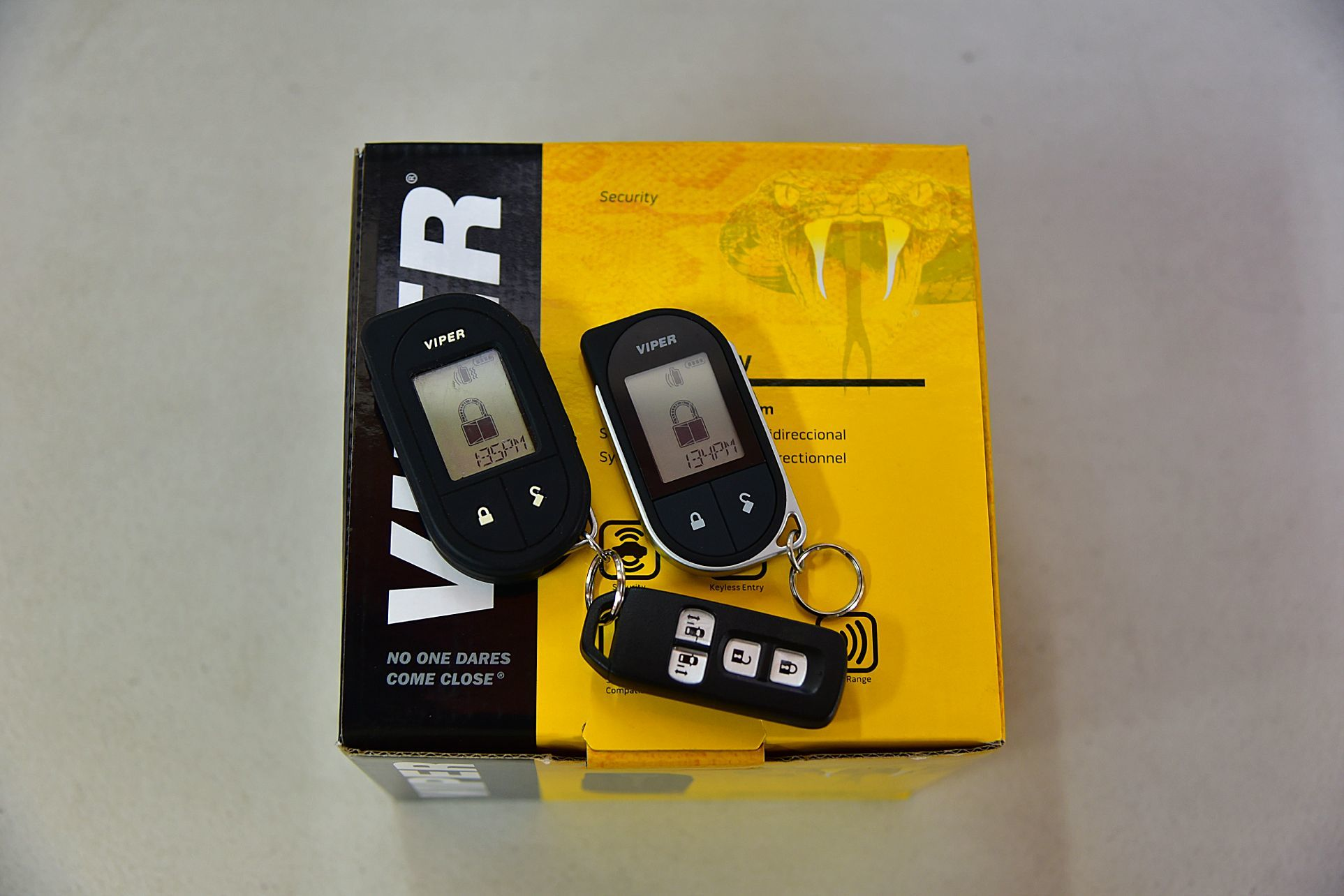 N-BOXカスタムにVIPER3706V取り付け_c0199344_18050082.jpg